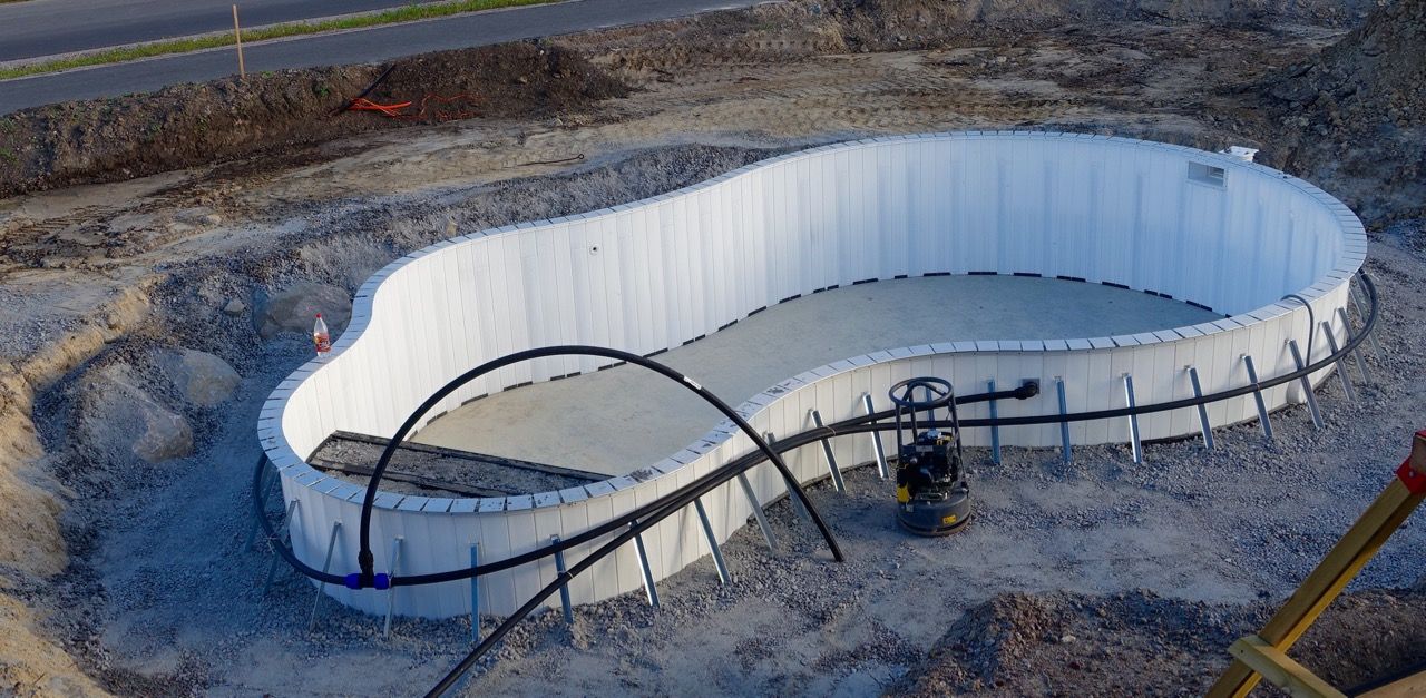 Finished mounting the aquispool fantasy 24 framework